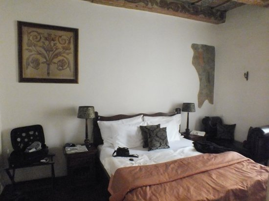 Iron Gate Hotel & Suites:                   camera da letto