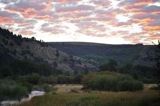 Natural Retreats South Fork Lodge: Upper Canyon