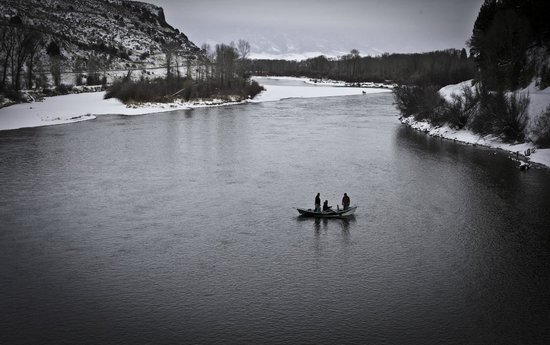 ‪‪Natural Retreats South Fork Lodge‬: Snake River in Winter‬