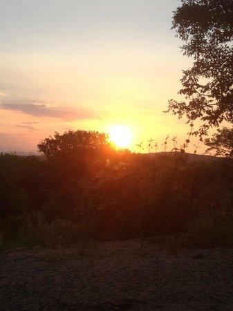 ماكودا لودج:                   Sunset over Marloth Park                 