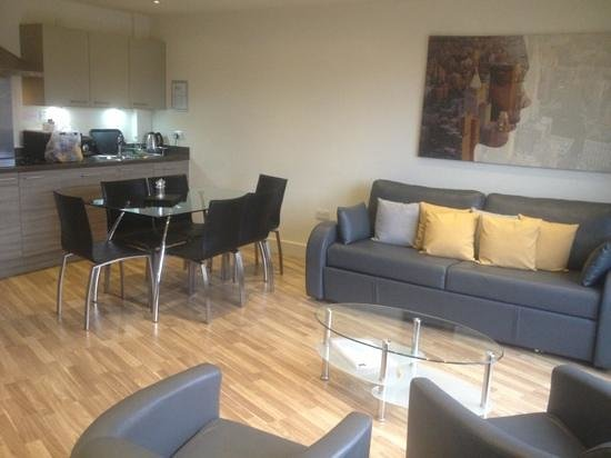 Staycity Aparthotels West End:                   2 bed apartment
