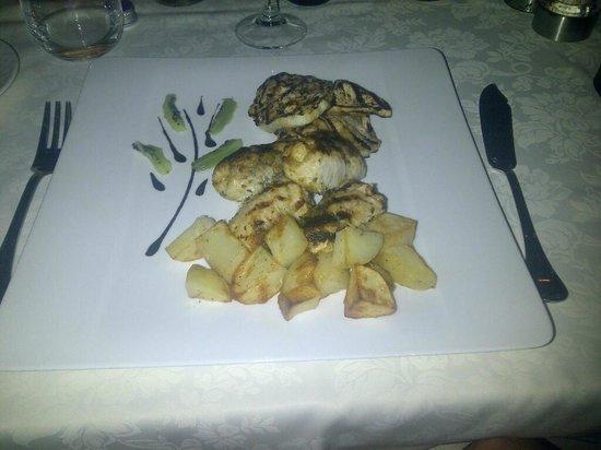 Hilton Giardini Naxos:                   Involtini di pesce spada... alla carbonella