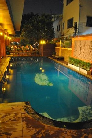 Lamphu Tree House:                                     piscine nuit