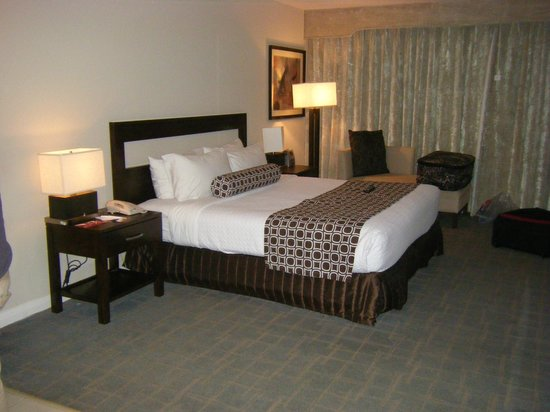 DoubleTree Resort by Hilton Hollywood Beach:                   room