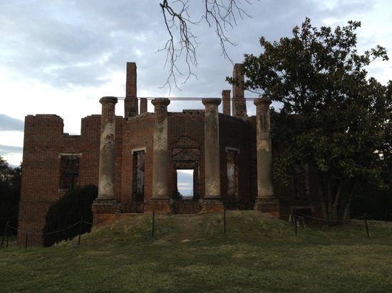Barboursville Vineyards and Historic Ruins:                   Ruins
