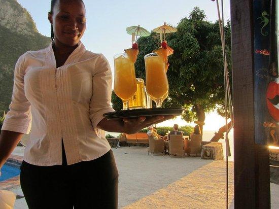 The Mango Tree: Friendly, happy servers