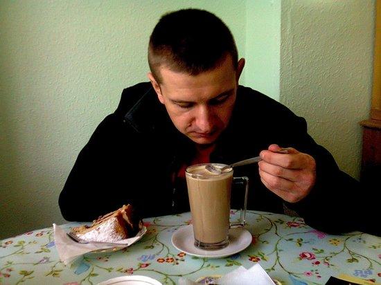 Laura's Kitchen:                   huge latte. I'm love it