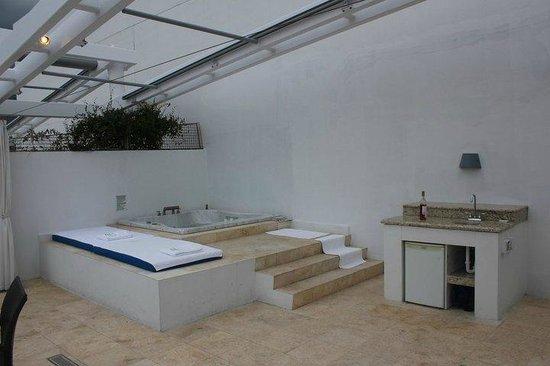 Z Ocean Hotel South Beach:                   rooftop hottub