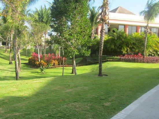 Grand Bahia Principe Coba:                   Grounds                 