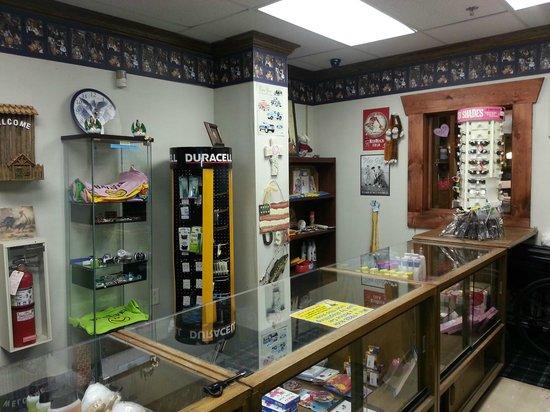 Baymont Inn & Suites Manchester - Hartford CT : Gift Shop