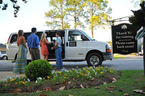 Merry Acres Inn: Complimentary Airport & Restaurant Shuttle