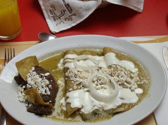 Hotel Casa de Oracion San Jose: desayuno de enchiladas