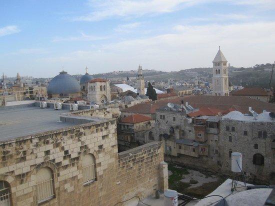 Petra Hotel & Hostel:                   vista dal terrazzo, Santo Sepolcro