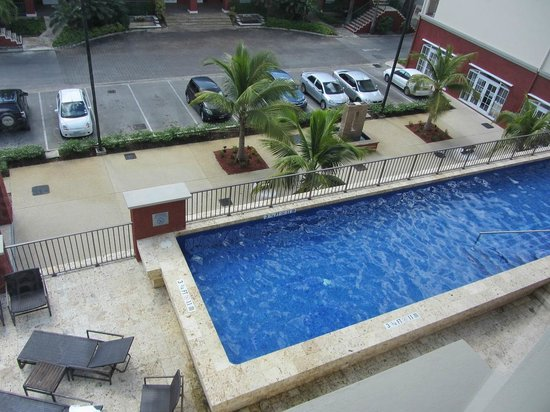 Courtyard by Marriott Bridgetown, Barbados:                                     Pool view from 4th floor