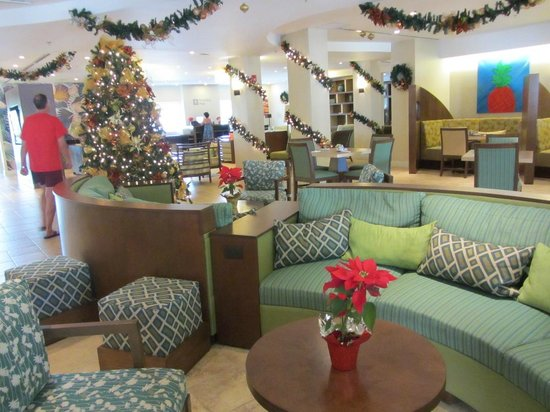 Courtyard Bridgetown, Barbados:                                     Lobby decorated for the Holidays