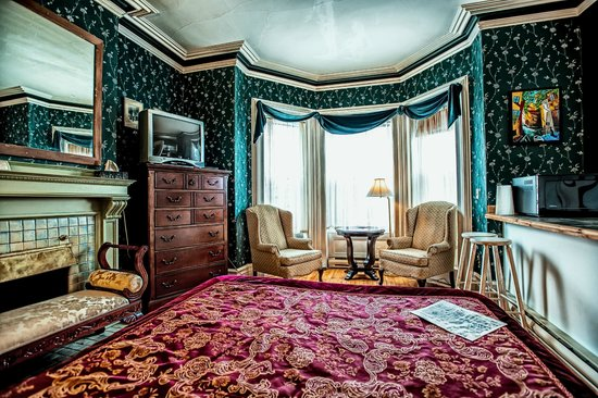 Earle of Leinster : Parlour Room