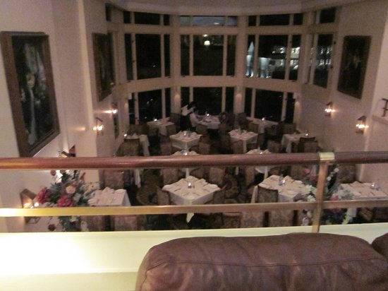 Water's Edge Resort & Spa: View of (one of the) dining area(s)