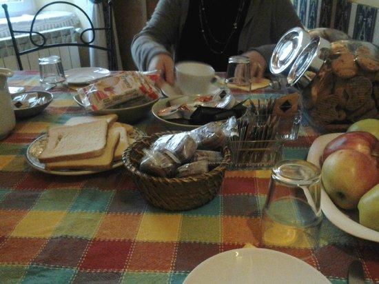 Bed and Breakfast Napoli I Visconti:                                     colazione