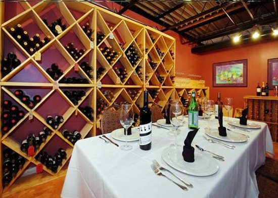 Quality Inn & Suites: Wine Room