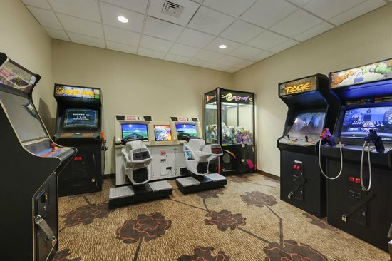 Superior Hilton Garden Inn Wisconsin Dells: Game Room