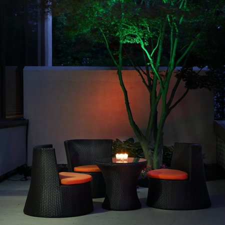 Hampton Inn Boston-Natick: Relax in our outside seating area