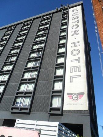 Custom Hotel: Vista del hotel