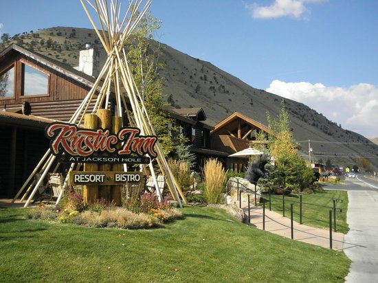 Rustic Inn Creekside Resort and Spa at Jackson Hole :                   Entrance