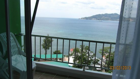 Tri Trang Beach Resort:                   Sea View from the room