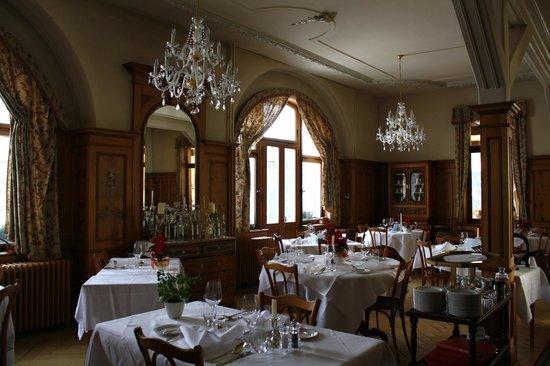 Hotel Meisser:                   formal dining setting