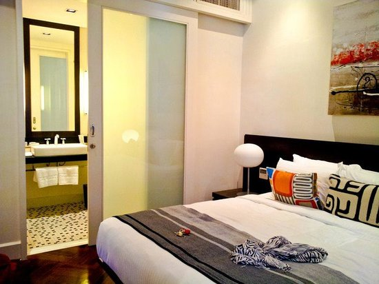 Lone Pine Hotel: second room: 2 double beds