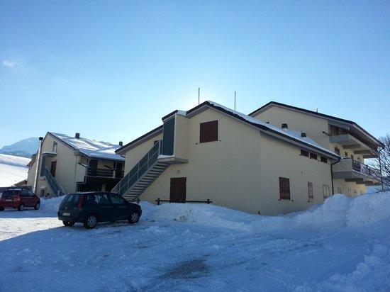 Rifugio Alantino:                                                       il rifugio circondato da un mare di neve!