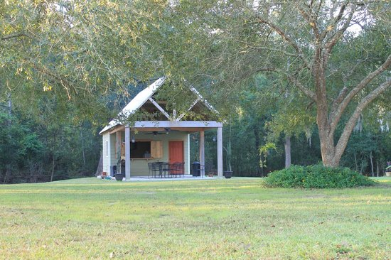 Breaux Bridge Country Charm Bed And Breakfast