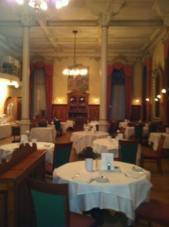 Hotel Edelweiss:                   dining hal