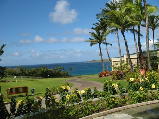 The Ritz-Carlton, Kapalua: From ocean edge of main grounds looking out over beach area
