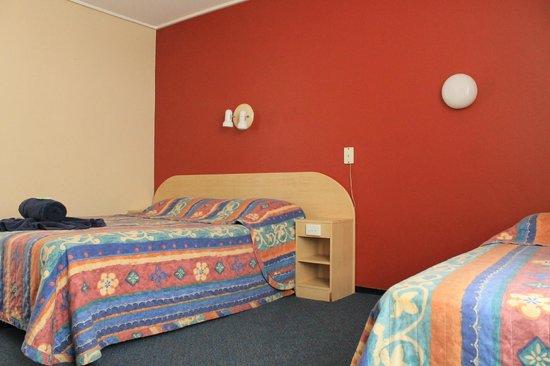 Hawaiian Sands Motor Inn: Room 11