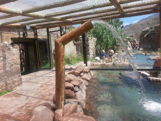 Hotel & Spa Termas Cacheuta:                   Piletas climatizadas