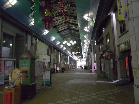 Otaru Miyakodori Shopping District:                   人が全くいません