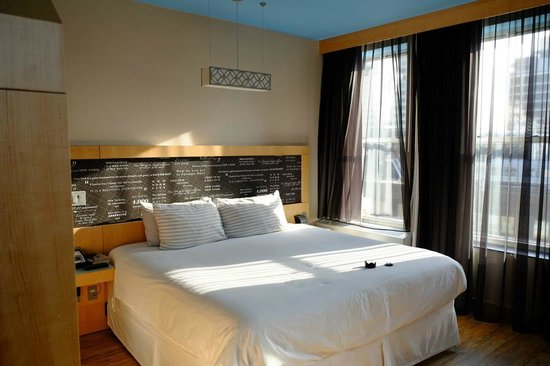 TRYP HOTEL NYC - Times Square South by Wyndham: Bed