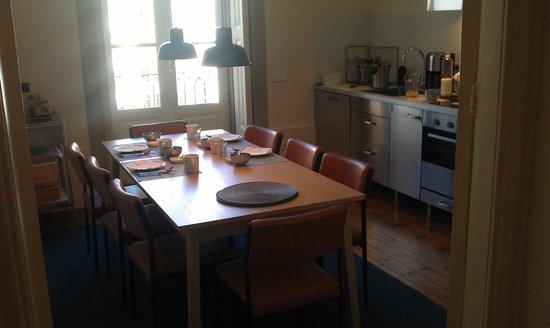 The White Box House :                   Desayuno en la cocina
