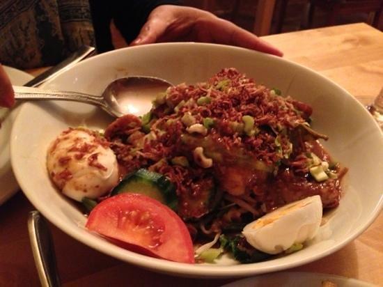 Garuda Indonesian Restaurant:                   Gado Gado