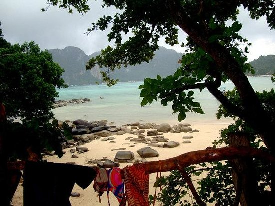 Viking Natures Resort: gorgeous view of phi phi ley from our balcony!