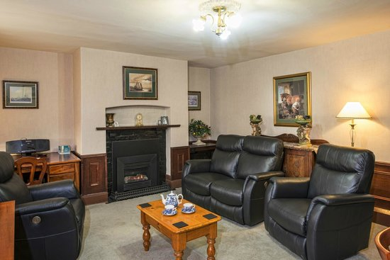 Apartments At York Mansions: Lodge Lounge Room