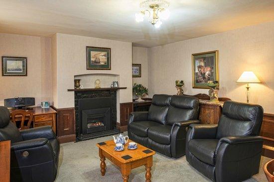 อพาร์ตเมนท์ แอท ยอร์ค แมนชั่น: Lodge Lounge Room