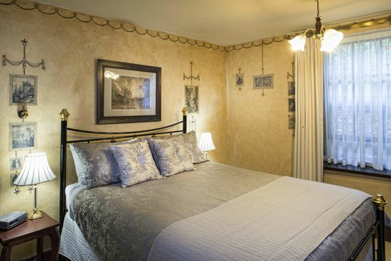 Apartments At York Mansions: Gamekeeper Bathroom