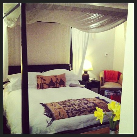 The Keep:                   Stunning four poster