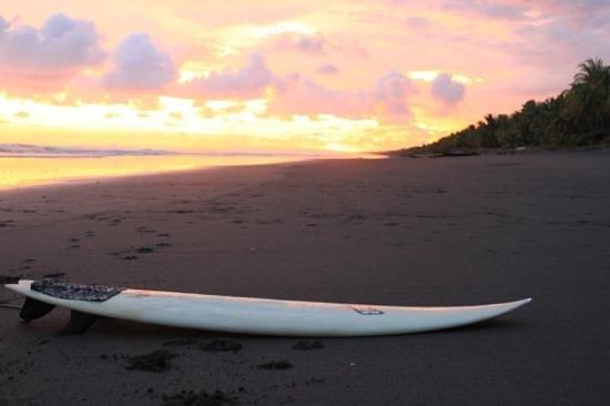 Clandestino Beach Resort:                                                                         atardecer en clandestino