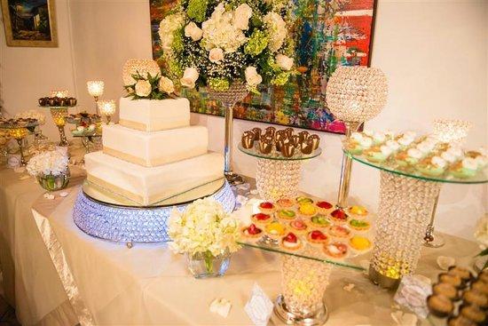 La Casa de Los Nogueras: Wedding Cake