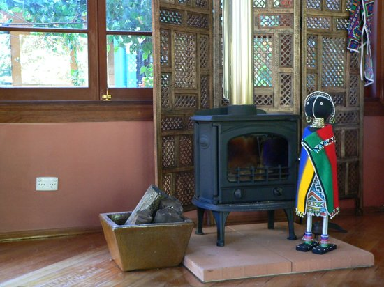 The African Cottage and Rondawel: African fireplace!