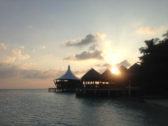 Baros Maldives:                                     黄昏