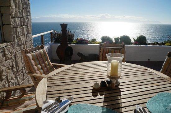 Rocklands Bed and Breakfast:                   terrazzo